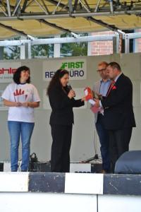 """Übergabe der """"roten Hände"""" an den 1. Bürgermeister der Stadt Mönchengladbach, Herrn Klaus Schäfer"""